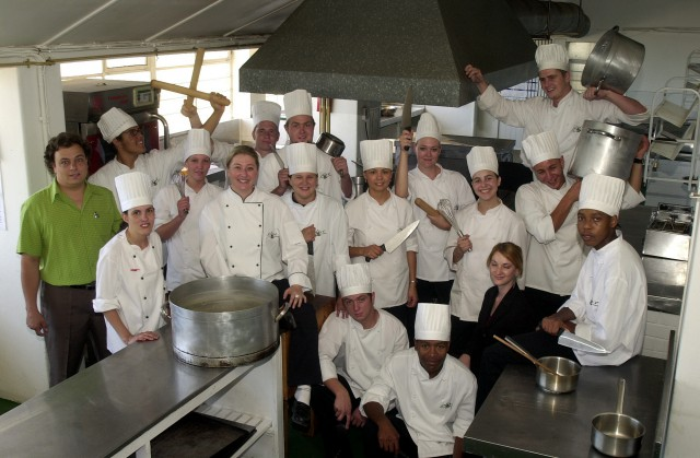 olive-chef-school-group-photo-2005