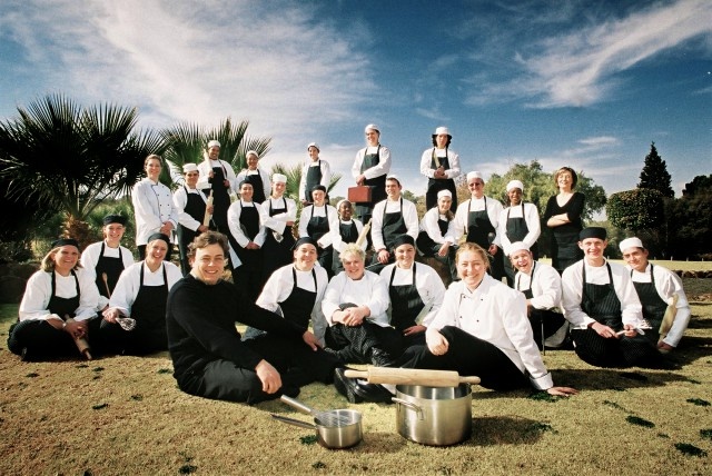 olive-chef-school-group-photo-2003